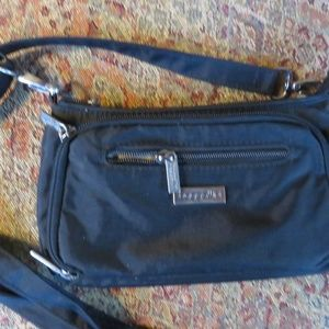 Baggallini small black crossbody nylon bag, EUC